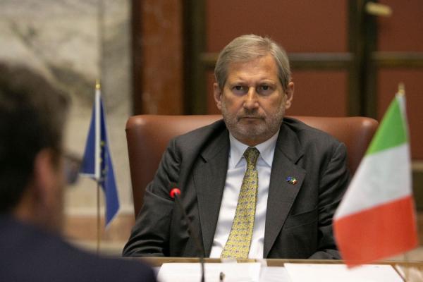 Il Commissario Europeo Johannes Hahn
