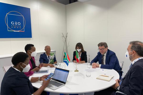 Giorgetti incontra la delegazione sudafricana