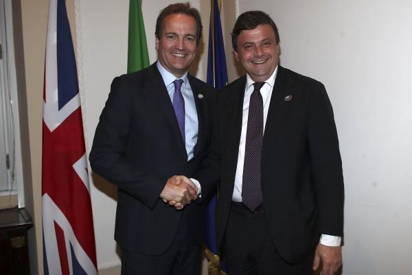 Il ministro Calenda incontra il ministro britannico Hurd