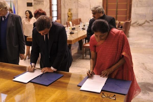Firma del protocollo sulla Commissione Mista Italia - India
