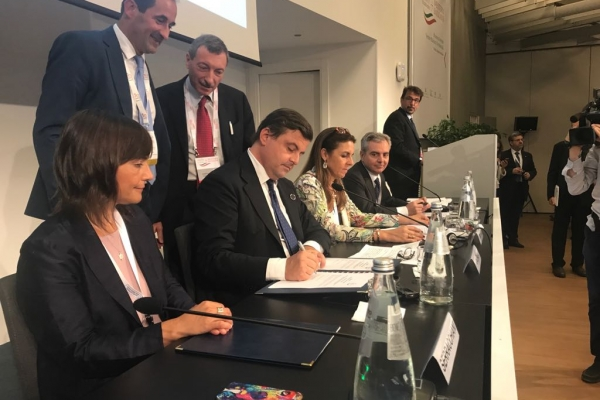 Il Ministro Calenda firma l'addendum al protocollo di intesa tra Autorità di regolazione elettrica nel contesto della Energy Community