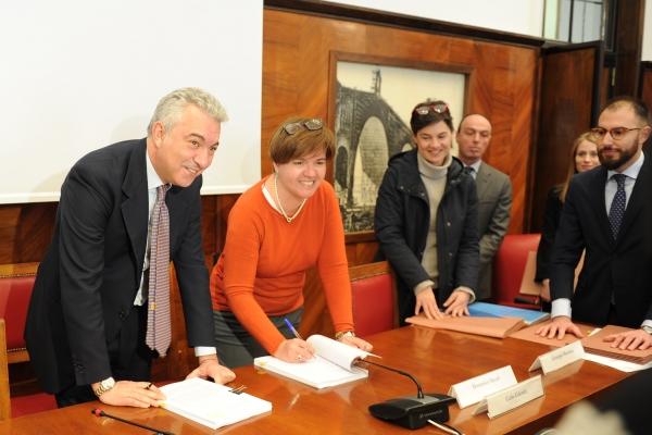 Firme di Domenico Arcuri (Invitalia) e Alessandra Nodari (Alcoa)